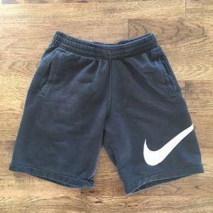🔥 Nike Sweatshorts 🔥